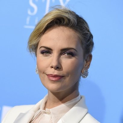 Charlize Theron con un make up perfecto