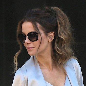 Kate Beckinsale da una vuelta a la coleta tradicional