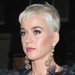 El rosa, protagonista del beauty look de Katy Perry