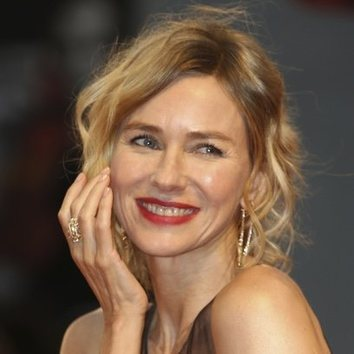 Naomi Watts, naturalidad sobre la red carpet