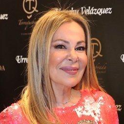 Ana Obregón, sencilla y elegante
