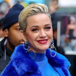 Katy Perry a todo color