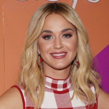 Katy Perry apuesta todo al rojo