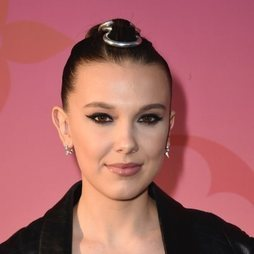 El beauty look más hortera de Millie Bobby Brown