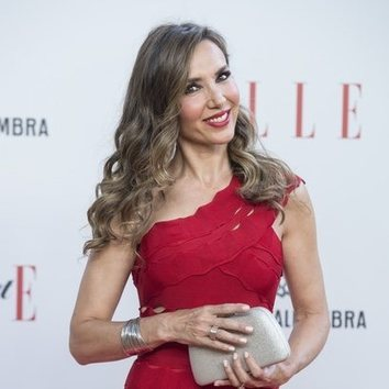 Paloma Lago sabe cómo quitar formalidad a un look