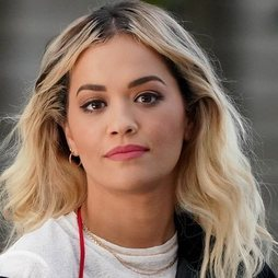 Rita Ora: el maquillaje natural se impone