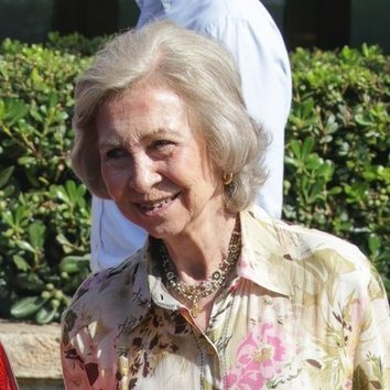 La Reina Sofía: 60 años de su icónico peinado
