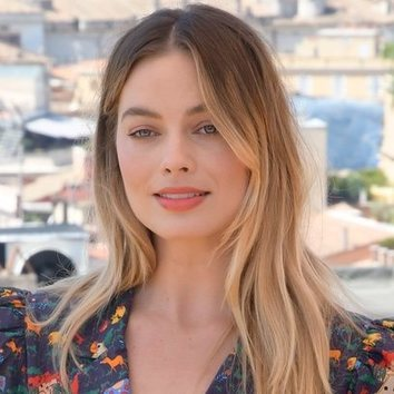 Margot Robbie y el maquillaje natural que conquista el Tíber