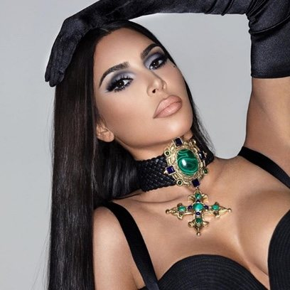 Kim Kardashian y el maquillaje homenaje a los 90s