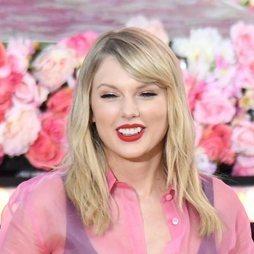 El sofisticado look beauty de Taylor Swift
