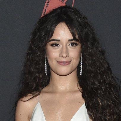 Camila Cabello: maquillaje natural y melena XXL