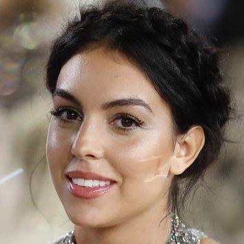 El peinado corona de trenzas de Georgina Rodríguez, un arma de doble filo