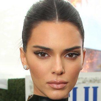 Kendall Jenner vuelve al pelo moreno días después de debutar como rubia