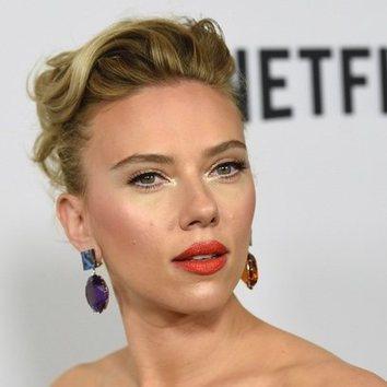 Scarlett Johansson y el maquillaje propio de una estrella de Hollywood