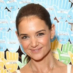El beauty look radiante de Katie Holmes