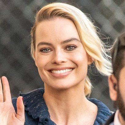 Margot Robbie luce un maquillaje ideal gracias al uso de infalibles