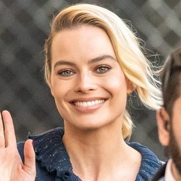 Margot Robbie luce un maquillaje ideal gracias al uso de infalibles
