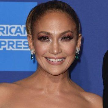 Jennifer Lopez abusa de pestañas postizas