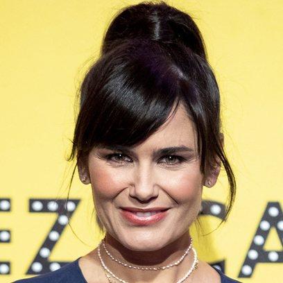 Elena Sanchez se suma a la tendencia de los peinados voluminosos