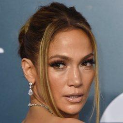 El look effortless de Jennifer Lopez para la alfombra roja