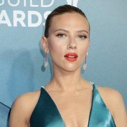 Scarlett Johansson luce el beauty look ejemplar