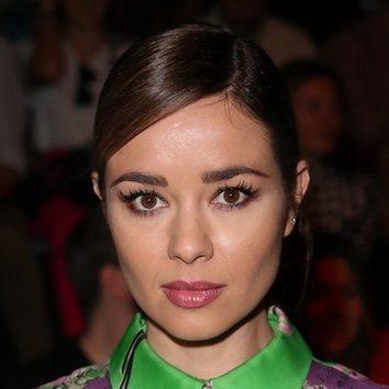 Dafne Fernández apuesta por el glitter en su beauty look