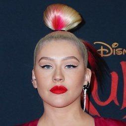 Christina Aguilera apuesta por un look de inspiración oriental