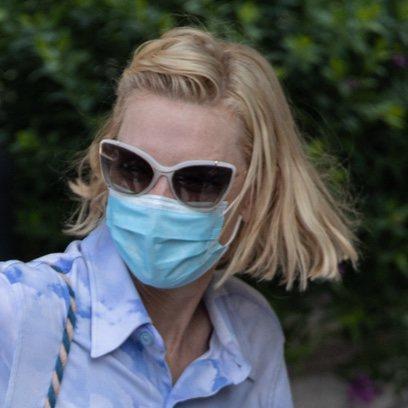 Cate Blanchett se presenta despeinada en Venecia