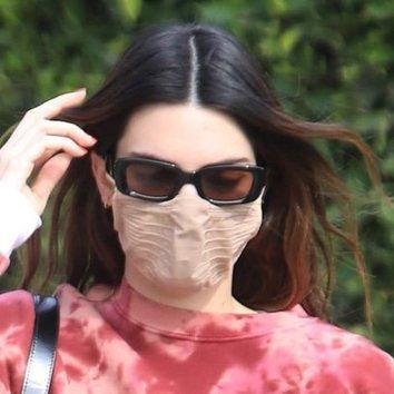 Kendall Jenner vuelve a las mechas californianas
