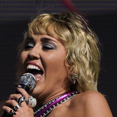 El perfecto corte shag de Miley Cyrus