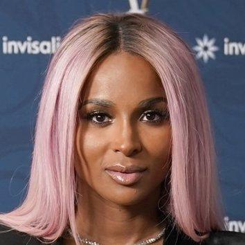 Ciara estrena pelo rosa