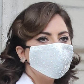 Lady Gaga cambia el rubio por el castaño